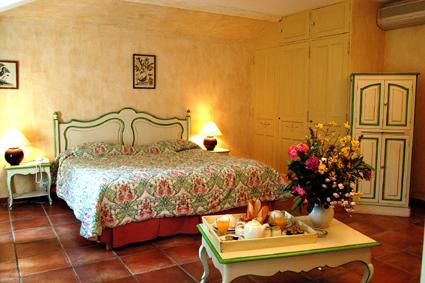 Chambre Hôtel Restaurant Domaine de Valmouriane Saint Rémy de Provence