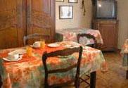 Salle de petit déjeuner Air Hôtel Le blanc Mesnil