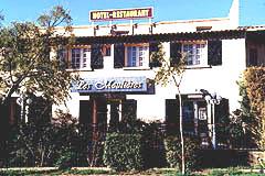 Façade Hôtel Restaurant Les Moulières Carnoux en Provence