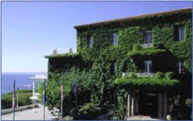 Façade Hôtel Restaurant Les Roches Blanches Cassis
