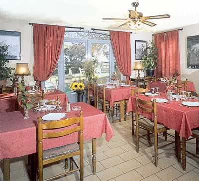 Salle Hôtel Restaurant Longo Mai Arles