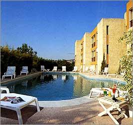 Piscine Hotel Restaurant Saint Roch Martigues