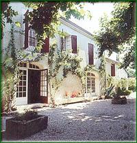 Entrée Auberge Sant Roumierenco hôtel Saint Rémy de Provence