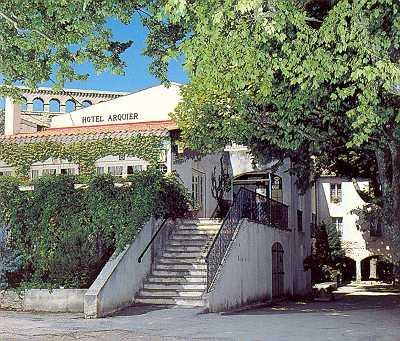 H tel restaurant arquier aix en provence bouches du rh ne for Hotels 2 etoiles aix en provence