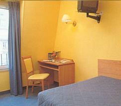 Chambre Hôtel Saint Cyr Etoile Paris