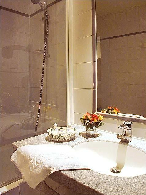 Salle de bain Hôtel Tilsitt Etoile Paris
