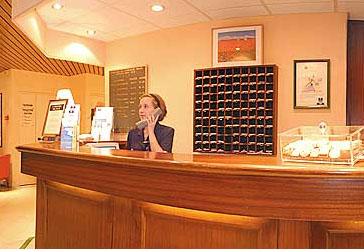 Réception Hôtel Kyriad Le Bourget