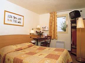 Chambre Hôtel Kyriad Le Bourget