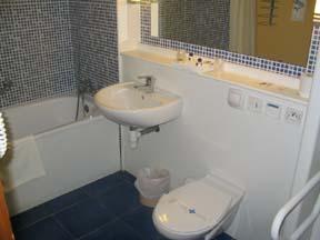 Salle de bain Hotel Kyriad Orly Rungis