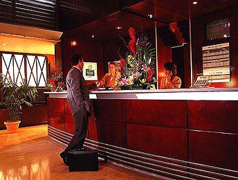Réception Hôtel Mercure Orly Aéroports