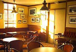 Salle de petit déjeuner Kyriad Air Plus Hôtel Orly
