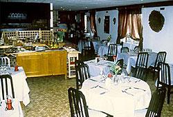 Salle de petit déjeuner Le Relais de Pincevent La Queue en Brie