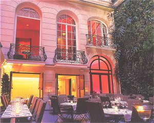 Patio Hôtel Pershing Hall Paris