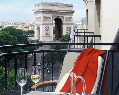 Vue du balcon Radisson Champs Elysées Paris