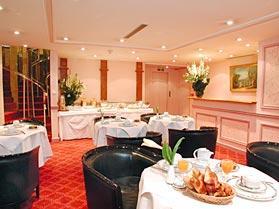 Salle petit déjeuner Hôtel Châteaubriand Paris