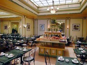 Salle petit déjeuner Quality Hôtel Opéra Saint Lazare Paris