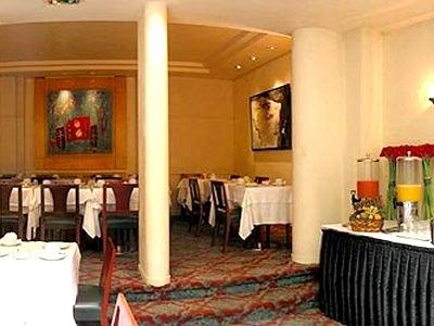 Salle petit déjeuner Astoria Opéra Hôtel Paris