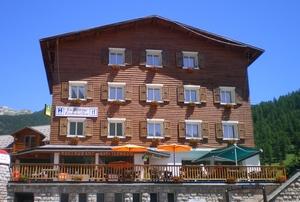 Hôtel Restaurant La Borne Ensoleillée