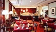 Salle petit déjeuner Hôtel Melia Royal Alma Paris