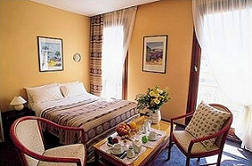 Réception Hôtel des Orangers Cannes